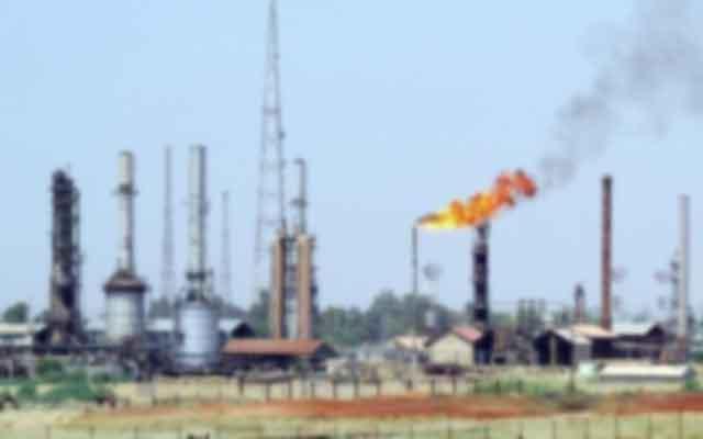 La baisse des prix du pétrole malgré la suspension de l'exportation en Libye