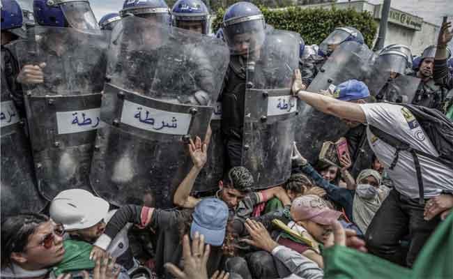 Le photographe algérien Farouk Batiche , nouveau lauréat du prix Spot News