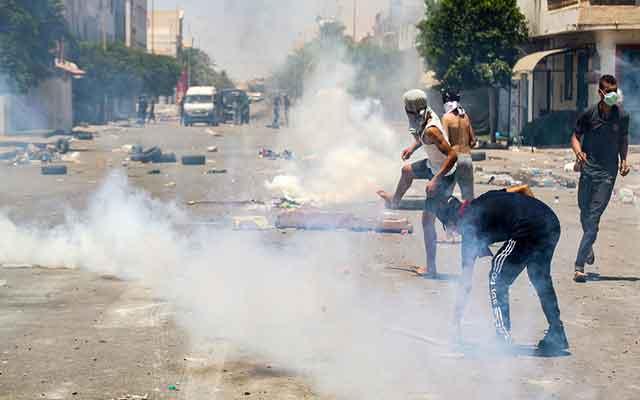 Tunisie: affrontements avec la police et manifestations contre le chômage dans le Sud du pays