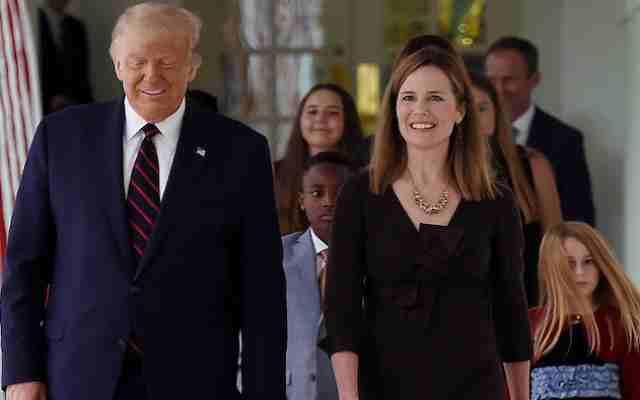 Trump présente sa candidate à la Cour suprême, Amy Barnett