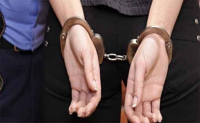 Trois individus impliqués dans plusieurs affaires de vol et d'escroquerie arrêtés par la police à Alger