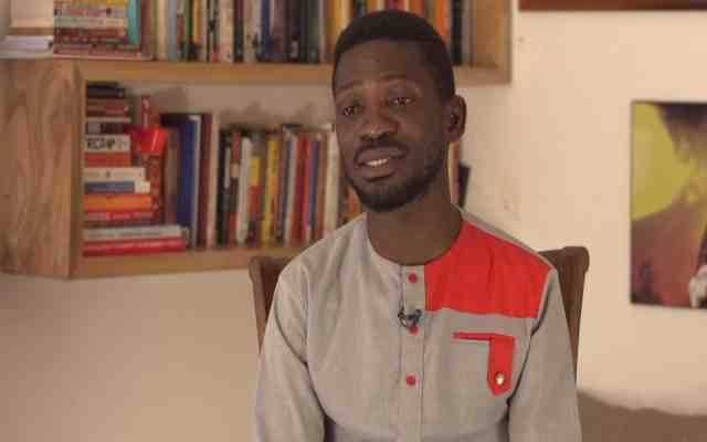 Le candidat de l'opposition Wine se déclare vainqueur de l'élection présidentielle en Ouganda