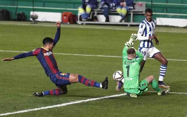 Ter Stegen sauve Barcelone et la mène à la finale de la Super Coupe d'Espagne