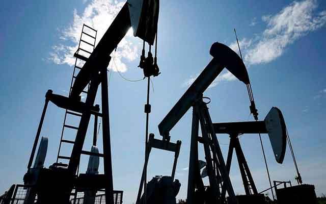 Le pétrole Brent dépasse 55 dollars pour la première fois en près d'un an