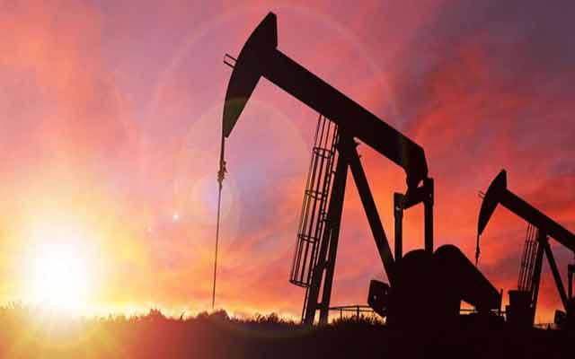 Les prix du pétrole ont continué d'augmenter, atteignant de nouveaux sommets en dix mois.
