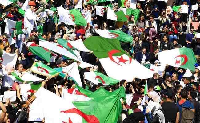 Le retour des manifestations en Algérie brisera-t-il le black-out médiatique imposé par les généraux?