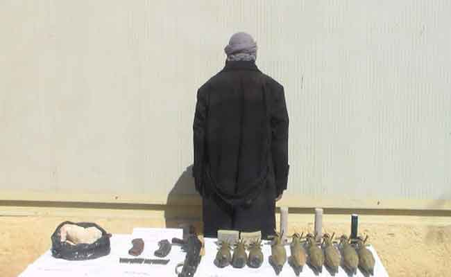 Un terroriste armé se rend aux autorités militaires à Bordj Badji Mokhtar