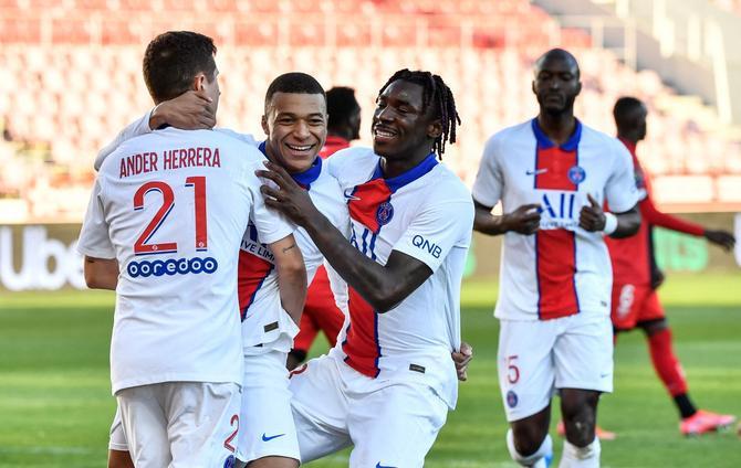 Saint-Germain écrase Dijon et se classe en deuxième place