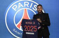 Neymar renouvelle avec le Paris Saint-Germain jusqu'en 2025