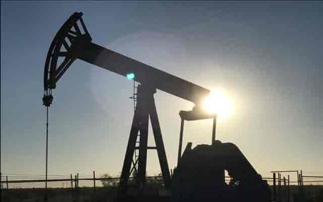 Les prix du pétrole augmentent modérément