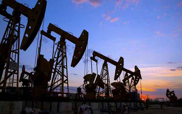 Les prix du pétrole ont augmenté aujourd'hui, atteignant un sommet jamais atteint en 6 semaines